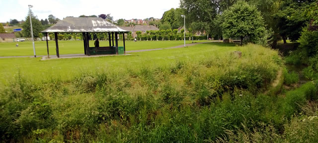 Wincanton Recreation Ground shelter and river bank