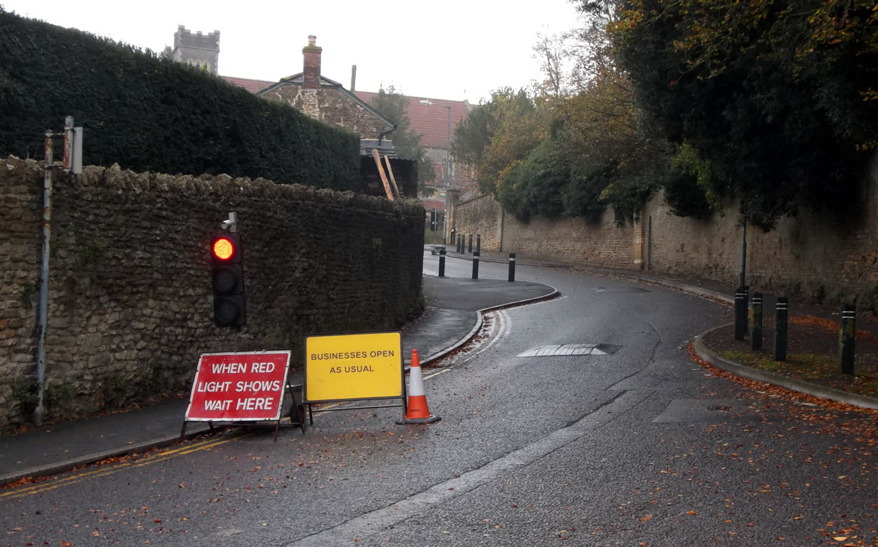 Traffic News A303 >> Poor Signage Caused Confusion During South Street Road Closure
