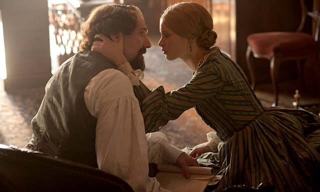 Ralph Fiennes and Felicity Jones in The Invisible Woman