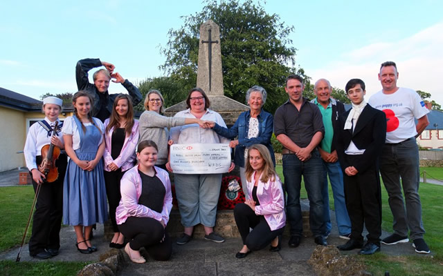Wincanton Amateur Dramatics Society cheque presentation