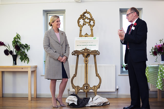HRH The Countess of Wessex presenting a certificate to commemorate her visit to the Balsam Centre - photo by Oscar Yoosefinejad
