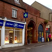 Shopping and services in Wincanton over the festive period