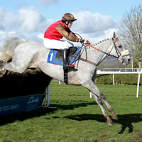 Racing is returning to Wincanton a week early!