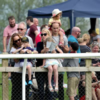 One-to-one on Newcomers' Day at Wincanton Racecourse
